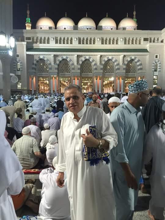 احمد السبكي * يؤدي عمرة رمضان.. شاهده بملابس الإحرام