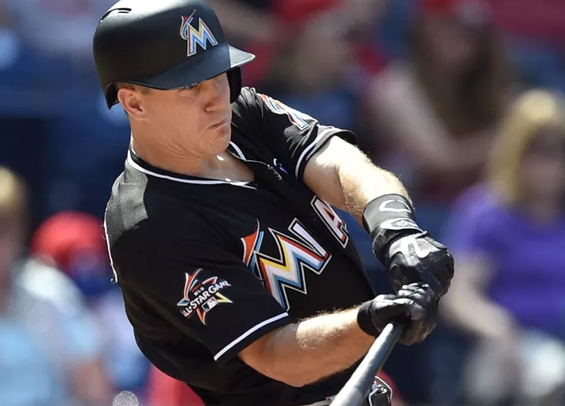 Phillies in on J.T. Realmuto