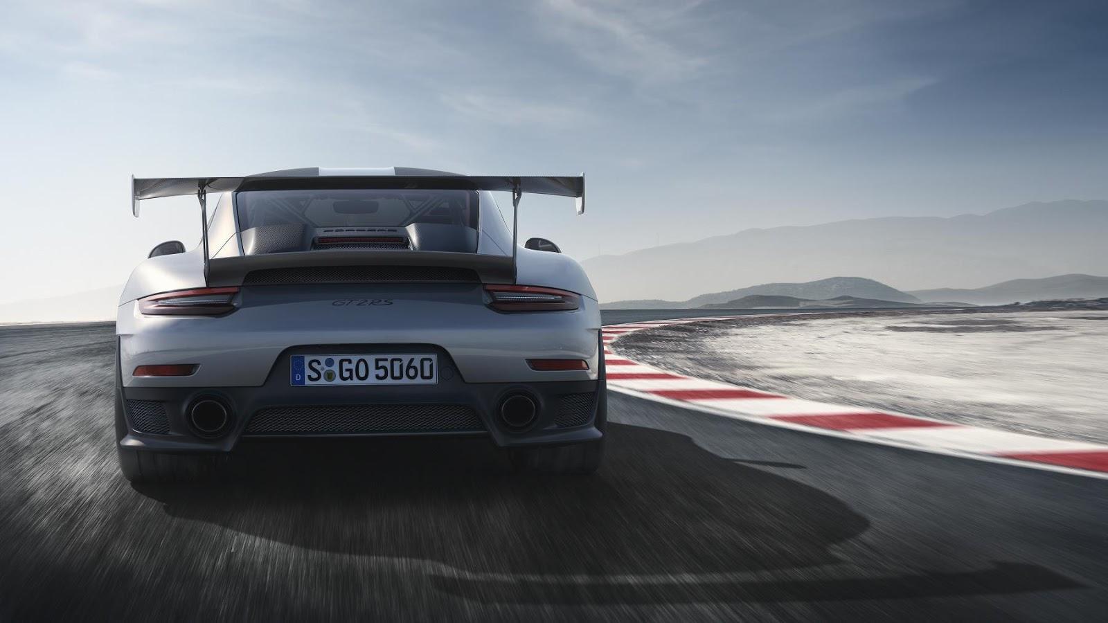 aab31b2d69d4 Porsche 911 GT2 RS  700CV