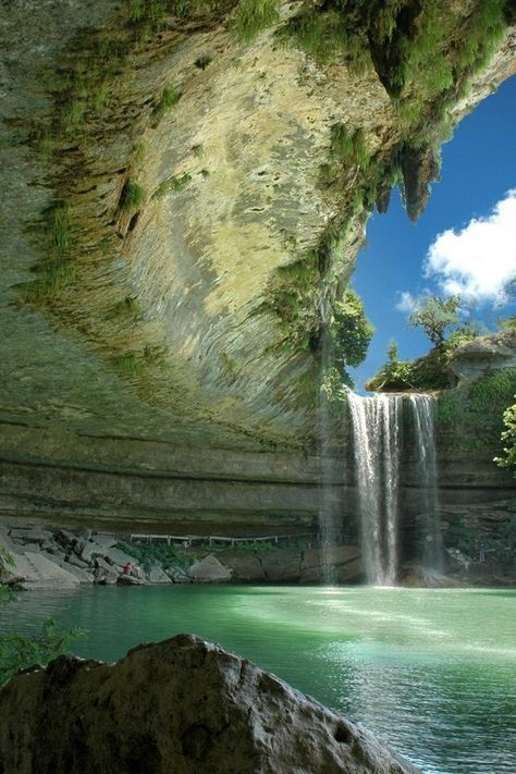 15 Amazing Places to Visit in Texas   Fascinating Places The lagoon   Hamilton Pool  Texas