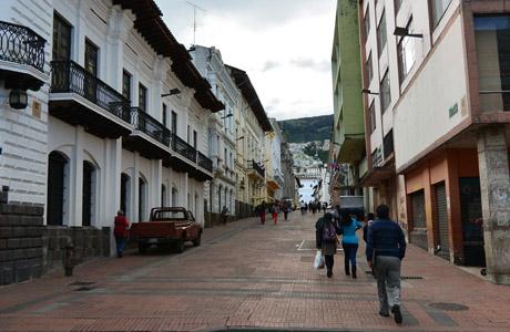 Calle en centro de Quito