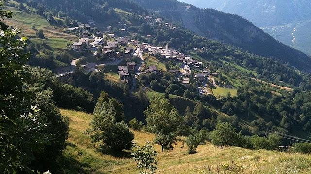 untuk siapa saja yang mau pindah ke kota ini Berita Terhangat Tinggal di Pegunungan Swiss dan Dibayar Ratusan Juta, Tertarik?