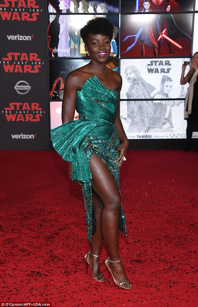 Lupita has us green with envy at Star Wars: The Last Jedi premiere