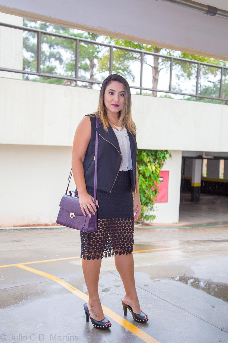 Look do dia: saia de renda e colete