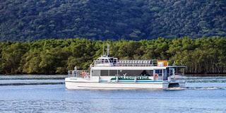 Catamarã fará passeios ao Marujá e ao Boqueirão Sul/Baía dos Golfinhos no final de semana