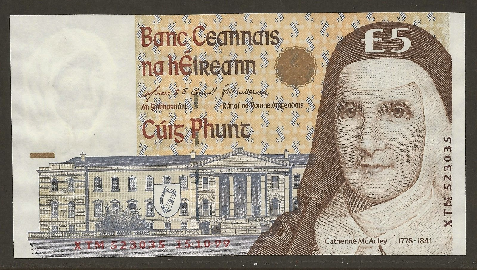 Ireland Banknotes Currency Five Pounds Note
