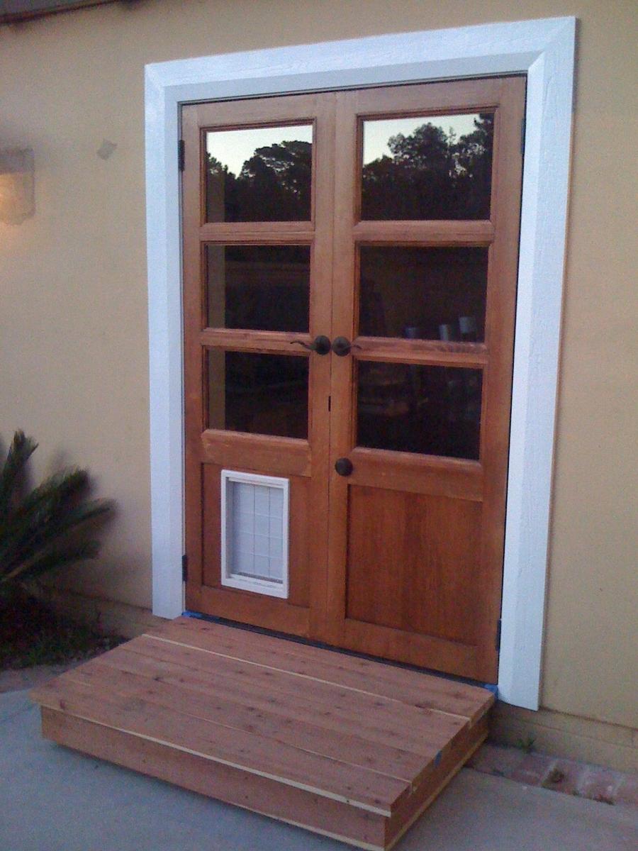 Patio Doors With Built In Dog Door At Backyard Koseklut