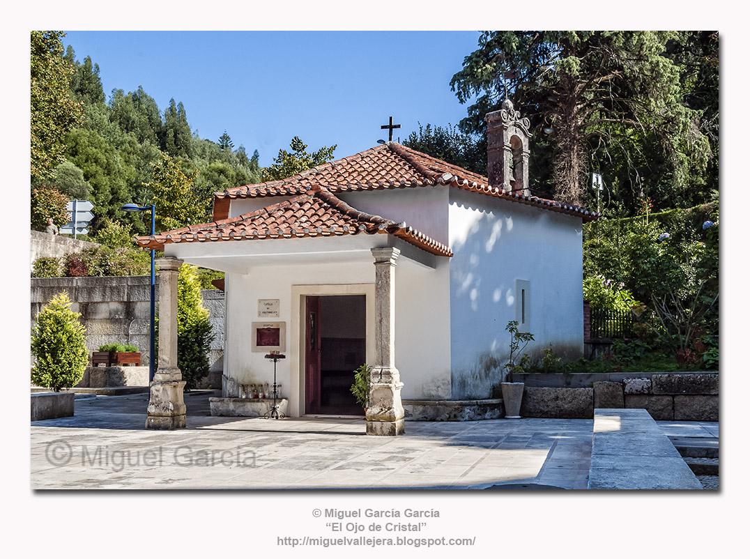 A Capela de São João Evangelista / La Capilla de San Juan Evangelista.