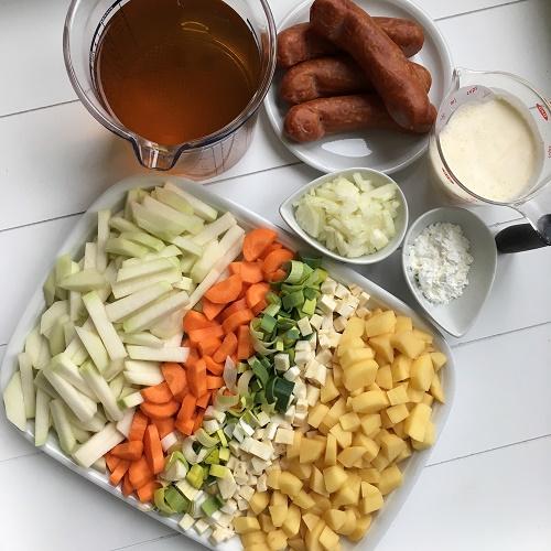 rahmiger Gemüse-Eintopf mit Mettenden