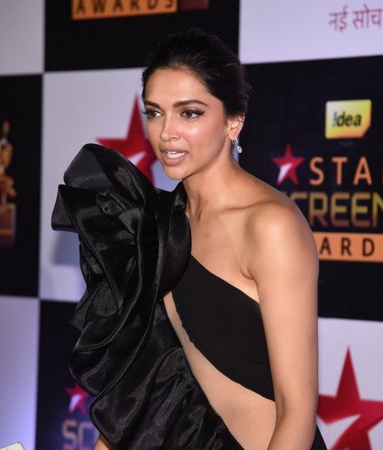 Actress Deepika Padukone at Star Screen Awards In Black Dress
