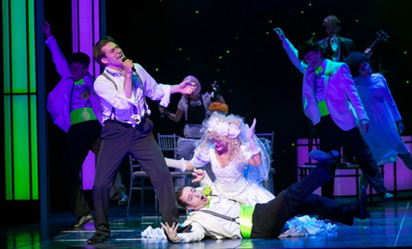 The-Wedding-Singer-New-Theatre-Cardiff-A-perfect-Mummies-night-out-Jon-Robyns-and-cast-on-stage