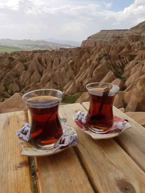 Kizilgukur seyir tepesi-Red/rose valley-Punto panoramico-Té turco-Cappadocia