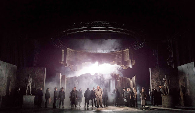 Iain Paterson & ensemble - Ryan Wigglesworth: The Winter's Tale - ENO (photo Johan Persson)