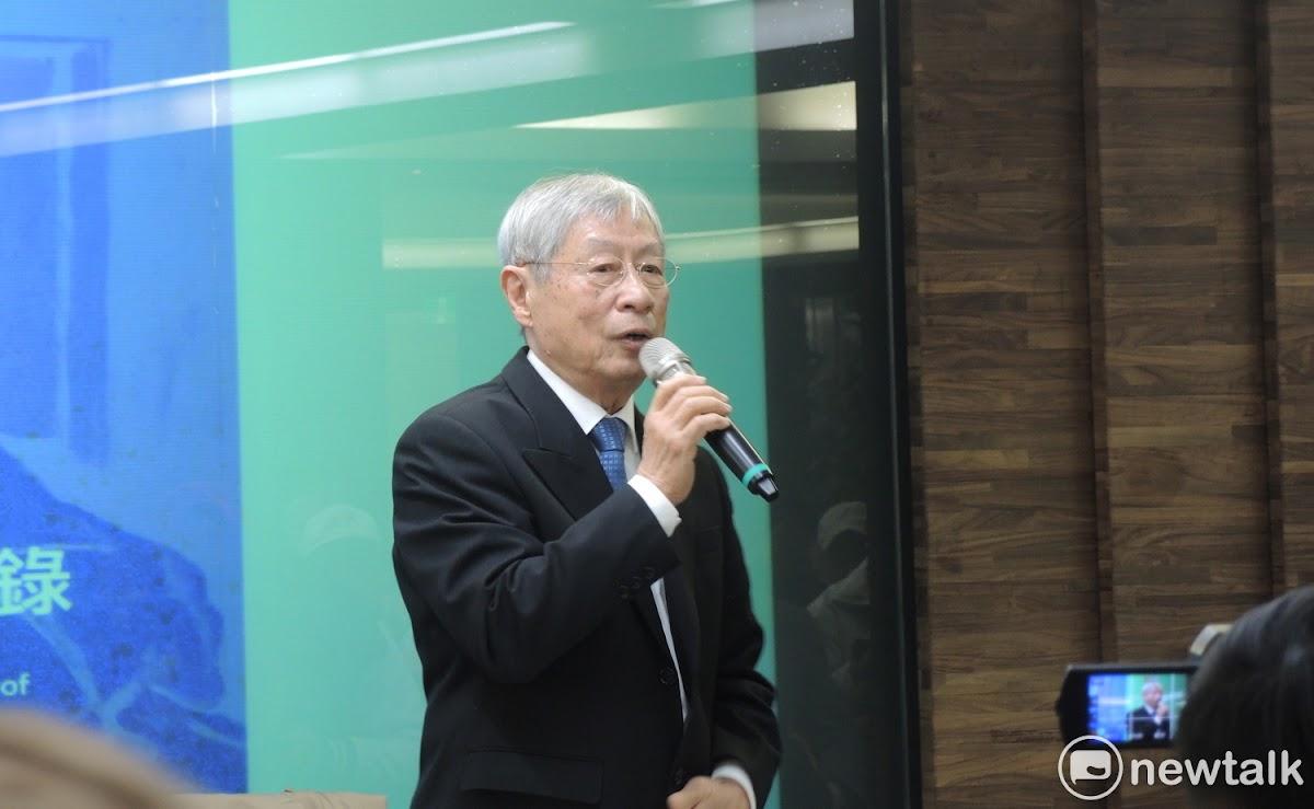 1970年發起424刺殺蔣經國行動的鄭自才今(13)日發表新書,他希望自己出版的刺蔣回憶錄,能夠加速轉型正義腳步,並批評仍佇立在台北的中正紀念堂是白色恐怖、黨國主義的象徵,一定要拆掉,否則不是轉型正義,「若轉型正義不做,很可能國民黨會回來」,大家別掉以輕心。