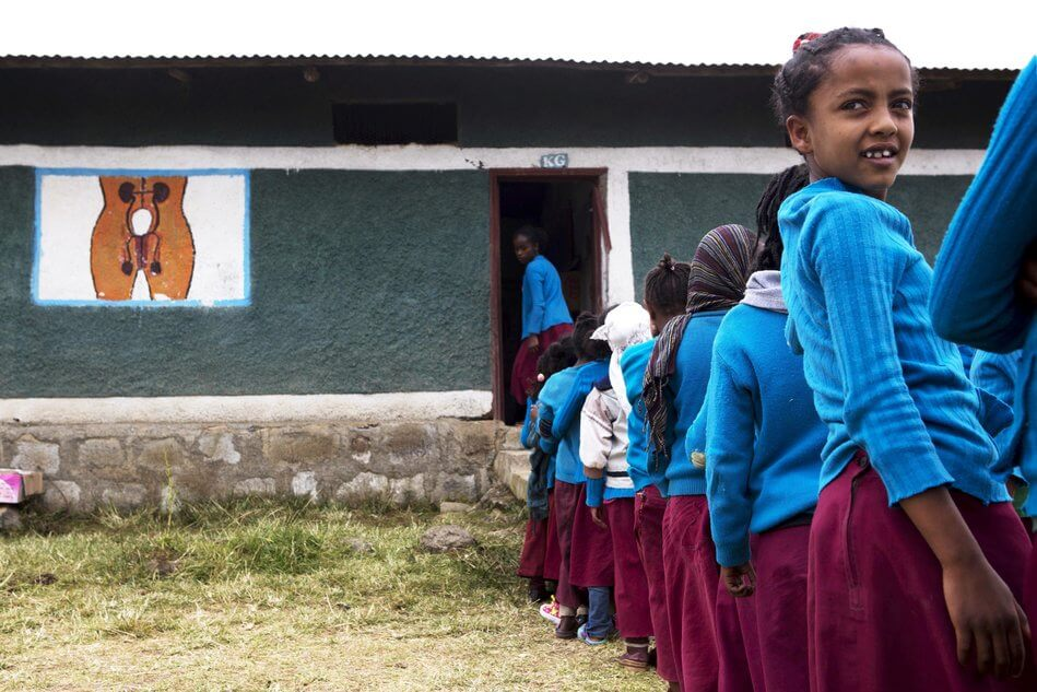 55 Stunning Photographs Of Girls Going To School In Different Countries - Ethiopia