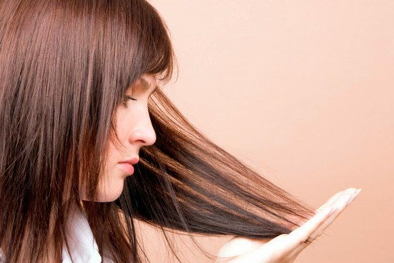 Tips Mudah Merawat Rambut Bercabang