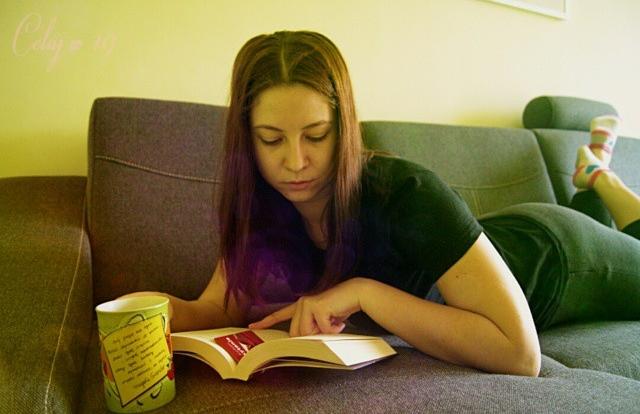 książka, herbata, czytanie, ja