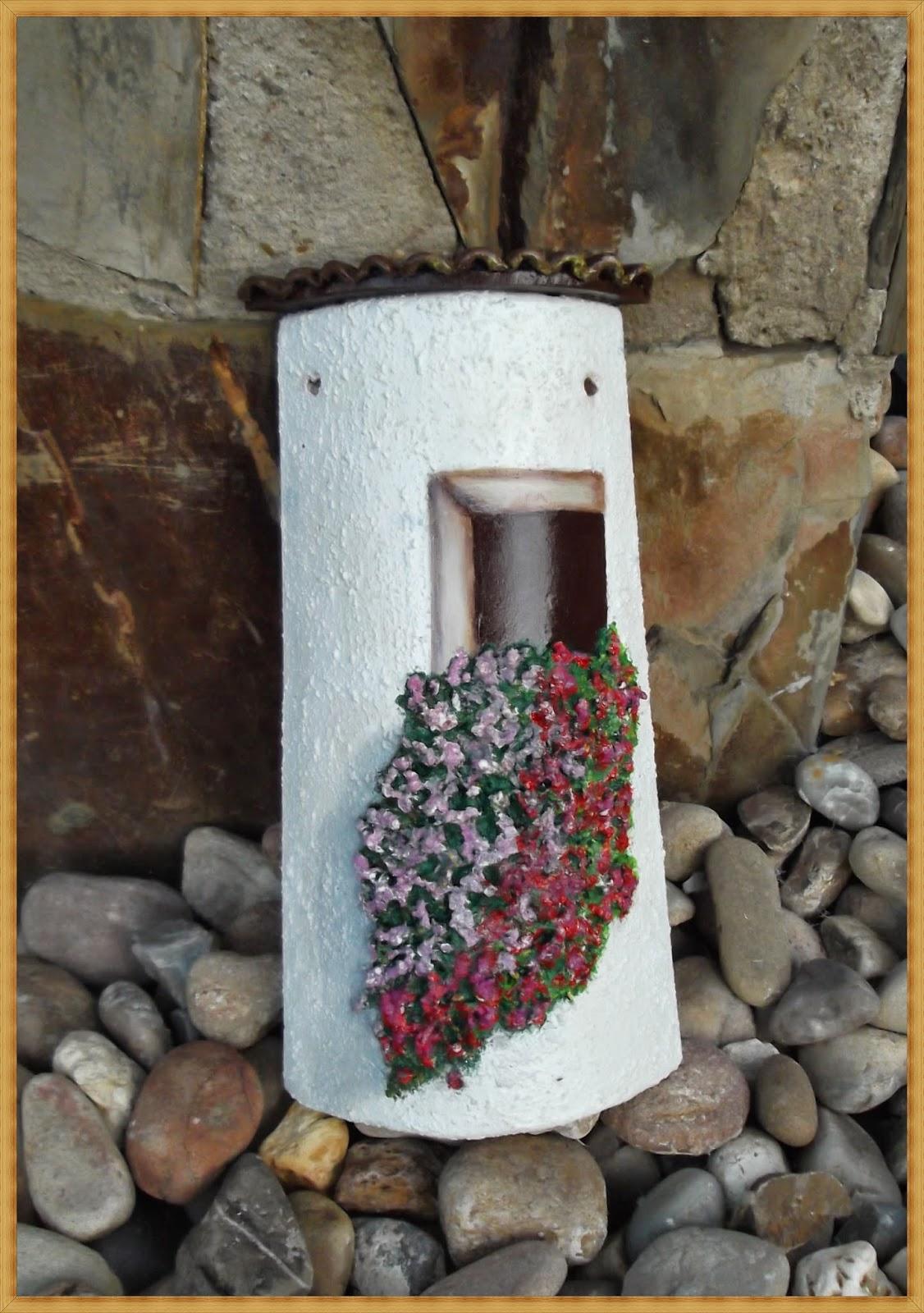 Teja con ventana y flores aprender manualidades es - Como decorar tejas rusticas ...