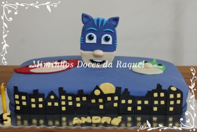 Bolo PJ Masks Doces da Raquel