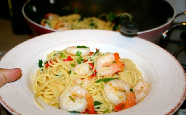 Resep pasta udang aglio olio