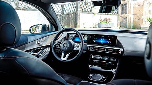Khoang nội thất của chiếc ôtô điện Mercedes EQC 2021
