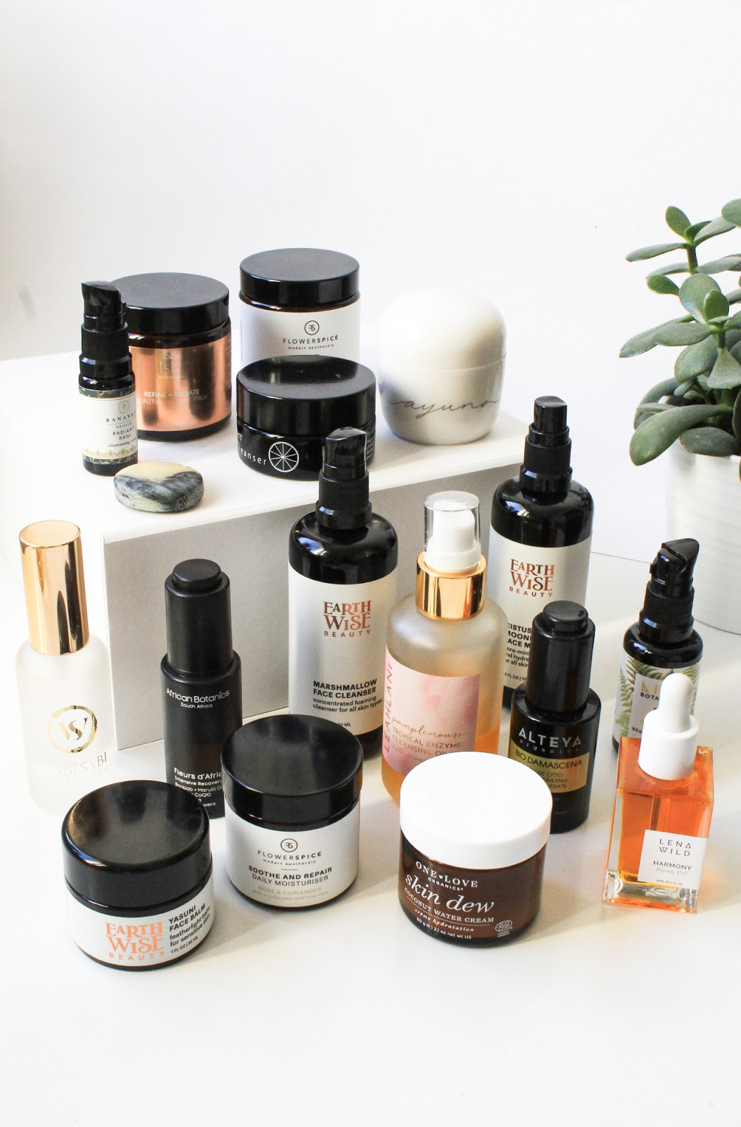 New Discoveries, favourites from 2018. Earthwise Beauty, Ayuna, Lena Wild, Ranavat Botanics, Wabi Sabi Botanicals, Flower and Spice, alteya Organics, One Love Organics, Live Botanical, Isla Apothecary, Leahlani Skincare