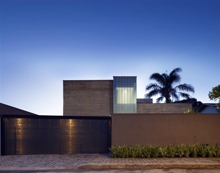 Street side facade on modern home by Anastasia Architects