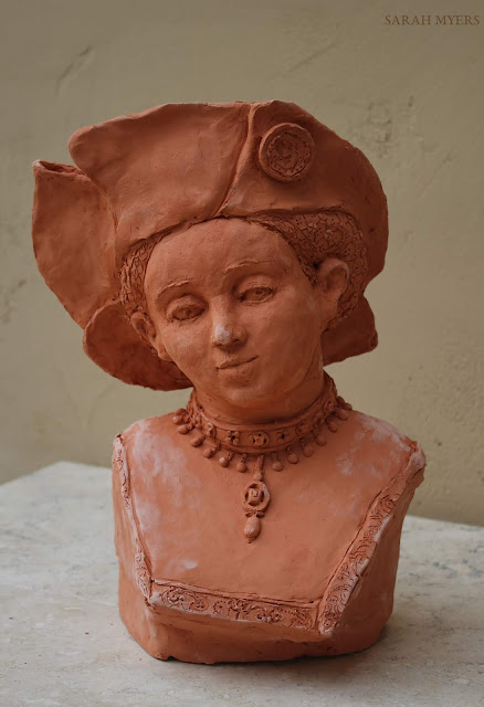 art, sculpture, sarah, myers, arte, escultura, design, contemporary, modern, lucas, cranach, woman, face, head, figurative, renaissance, hat, terracotta, ceramic, ceramica, jewellery, velvet, portrait, retrato, embroidery, pearls, expression, details, red, clay, young, lady, rich