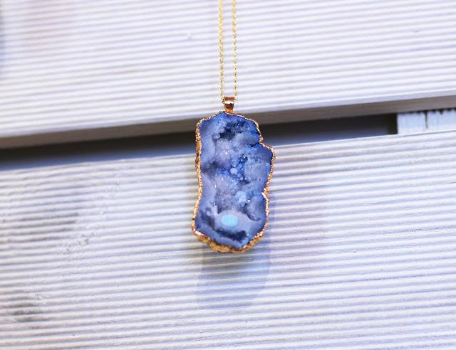 Minimalism in Practice Jewellery