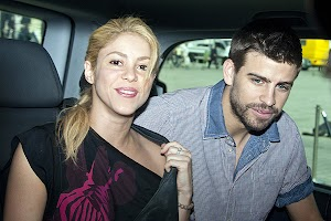 Shakira : Pique holiday with dad and baby!