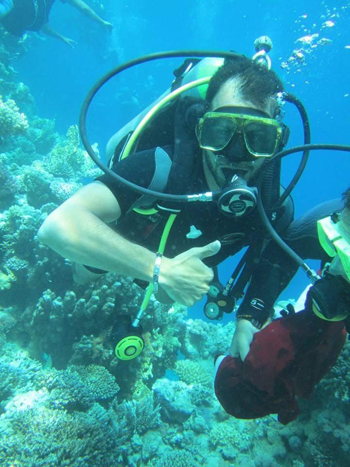 بالصور.. اول تدريبات للتنمية الذاتية تحت المياه