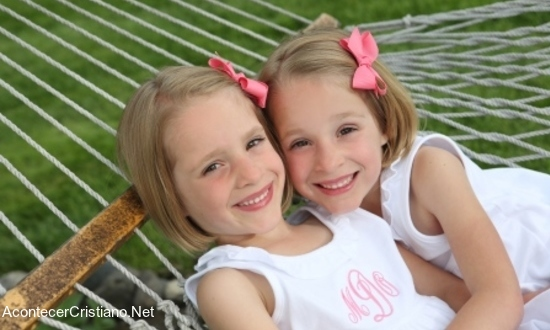 Hermanas gemelas sanadas de cáncer