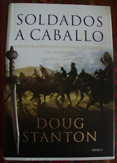 Portada del libro Soldados a caballo, de Doug Stanton