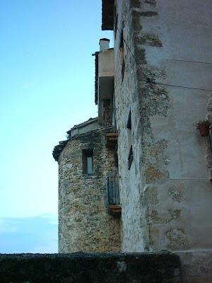"""Enrique Puch Foncuberta: """"Las obras de los arzobispos de Zaragoza en la iglesia y el castillo"""". Programa de fiestas de Valderrobres de 1994."""