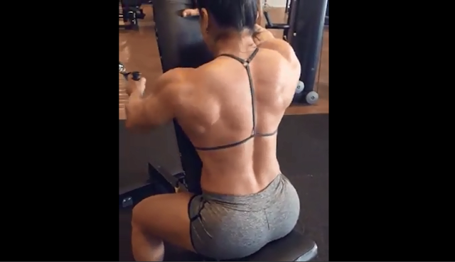 Video Female bodybuilders Flexing their muscles huge