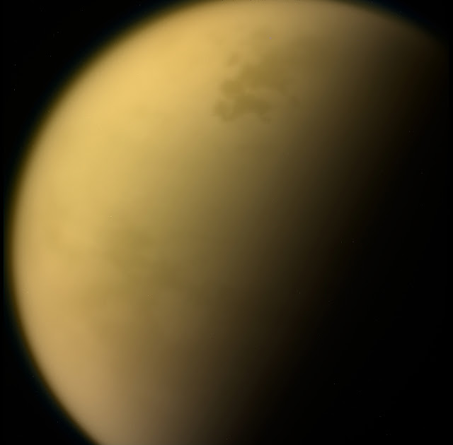 Noxious ice cloud found on Saturn's moon Titan