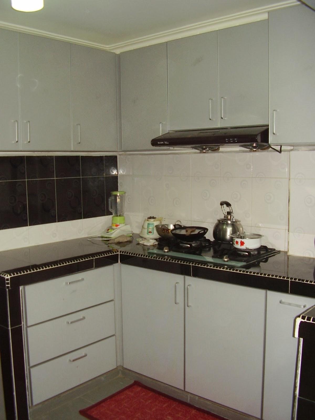 Custom Made Kitchen Cabinet Wardrobe Filing Pintu Koboi Breakfast Table Tv