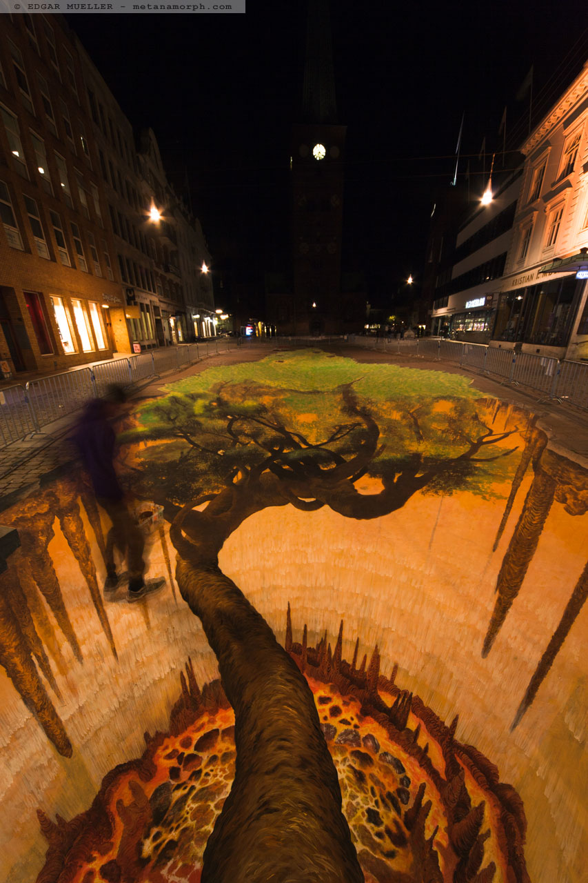 13-The-Tree-Edgar-Mueller-metanamorph-Enormous-Street-Art-Drawings-and-Paintings-www-designstack-co