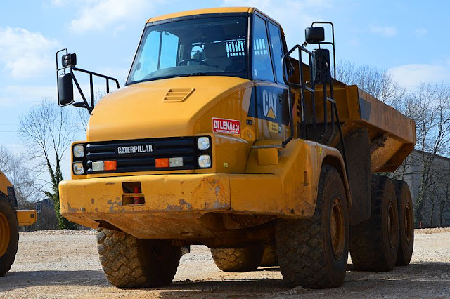 Gambar Dump Truck Caterpillar Cat 730