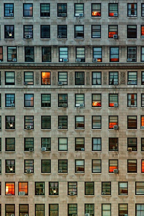 Pensar que hay una historia detrás de cada ventana...