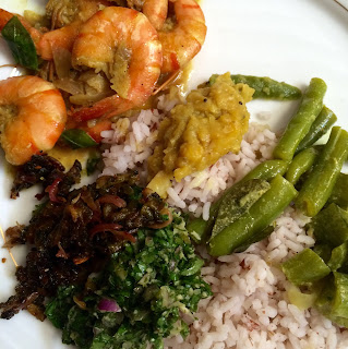 Picture of prawn and vegetable curries with red rice