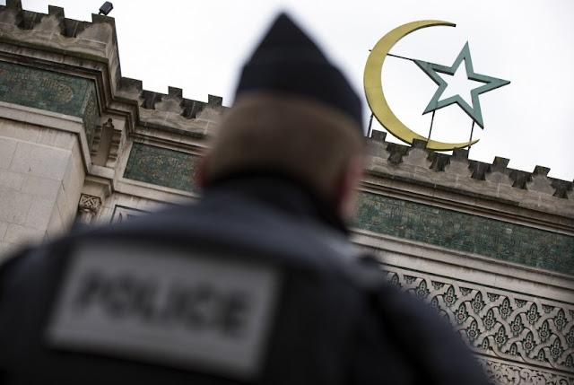 Insiden di Depan Masjid Prancis
