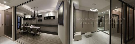 整面鞋櫃及落地鏡、玻璃推拉門隔絕玄關的室內設計,讓空間無限延伸。