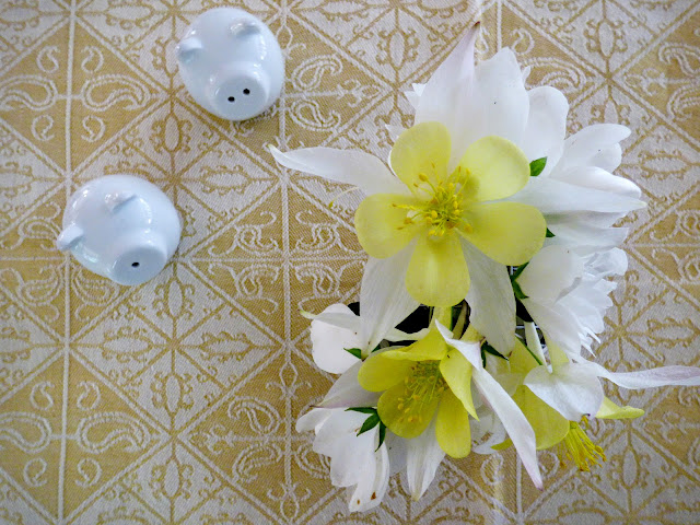 Aquilegia & Mock Orange Posy with Piggy Cruet Set