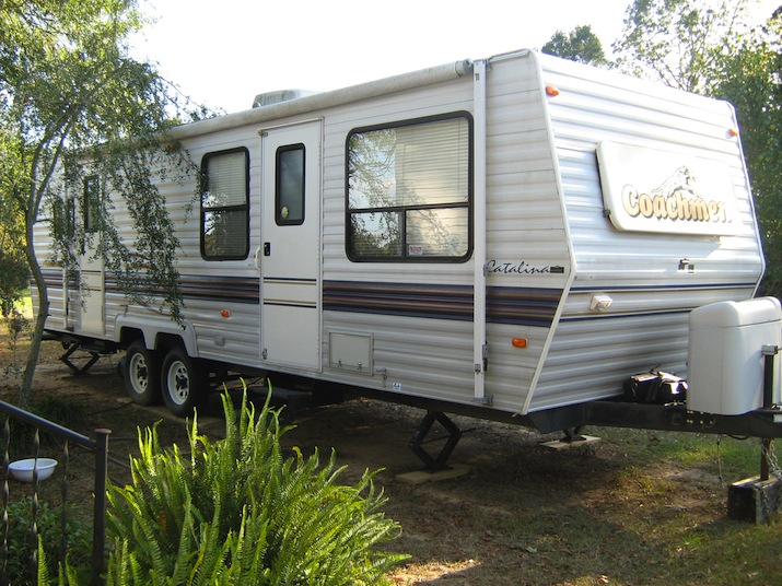 Model For Sale Starcraft Hard Top Travel Trailer By Forest River ,hard To Find Easy To Tow Light Weight 8ft Model 176ed ,this Trailer Is In Good Condition Inside And Out For This