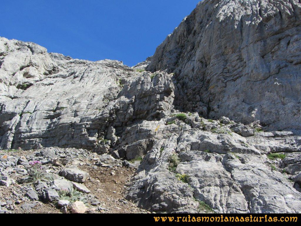 Ruta el Cable, Padiorna, Collado Jermoso, Palanca, Fuente De: Canaleta de acceso al Jou del Llambrión