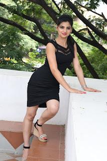 Selfie raja heroine Kamna Ranawat Pictures 038.jpg