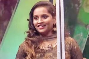 Anchor Jacqueline Hearty & Lovely Performance in Adhu Idhu Yedhu – Neenga Shutup Pannuga