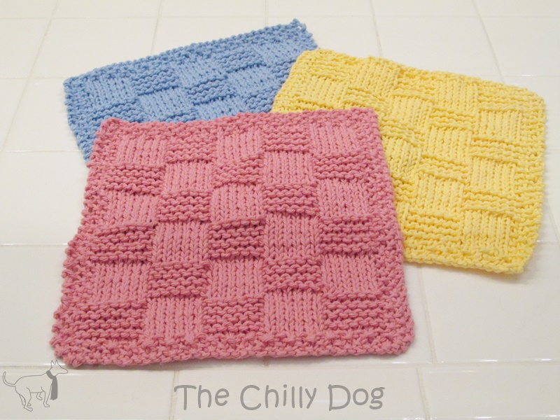 Knit Pattern: Easy Checkered Washcloth | The Chilly Dog
