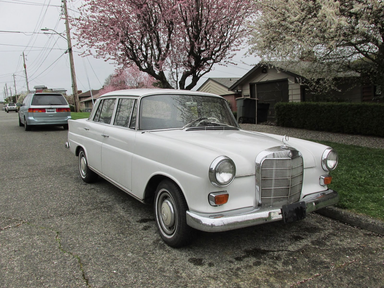 seattle 39 s classics 1967 mercedes benz 200 diesel. Black Bedroom Furniture Sets. Home Design Ideas